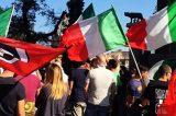 Roma emergenza casa. 8 ore sotto il Campidoglio per due famiglie sfrattate e senza risposte. Casapound risponde a FreedomPress