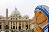 Madre Teresa di Calcutta diventa santa. Boom di fedeli a Roma