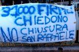 """Pisana, protesta dei malati sotto la sede della Regione: """"Basta passacarte, vogliamo parlare con Zingaretti"""""""