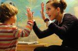 """Studenti ADHD senza assistenza scolastica grazie ad un comma. Abili al Sorriso: """"Nostri figli come una zavorra, vergognatevi!"""""""