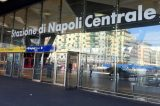 Napoli, giovane 22 enne violentato su un treno alla stazione centrale