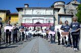"""Brescia. Essere Animali espone un maxi striscione al castello: """"A Pasqua salvali tutti"""""""