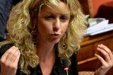 """Video/ Senato, discussione DL Vaccini. Rabbia di Lezzi (M5S): """"PD concede marchetta a Forza Italia per avere il voto sul DL"""""""