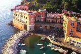 Napoli, Riva Fiorita: la Capitaneria di Porto rimuove i corpi morti e abusivi