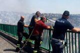 Video/Napoli, un boato poi le fiamme: incendio alle Rampe di Sant'Antonio