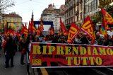 """Video/Roma, insegnante ferito. USB critica: """"La questura applica la dottrina Minniti: manganellate contro i lavoratori in sciopero"""""""
