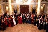 Cagli, il Teatro Comunale diventa un set. Il Maestro Renzetti dirige la Filarmonica Rossini. Tributo alla quinta di Čajkovskij