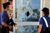 Fiumicino, danneggiano una scuola elementare per noia. Carabinieri identificano 11 minori
