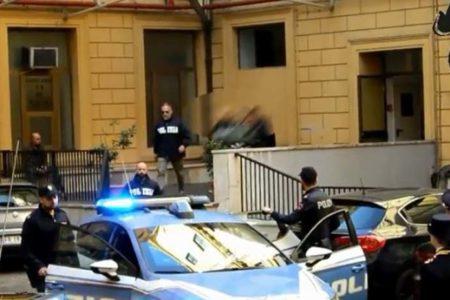 Roma, omicidio Luca Sacchi. Presi i presunti responsabili, due giovani ventenni. Polemiche sulle versioni