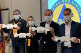 """COVID-19, le mascherine servono eccome. Zaia: """"Distribuiremo a tutti quelle made in Veneto"""""""