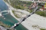 """Toscana, crolla un ponte. Coinvolti due furgoni. La Regione: """"Stato Emergenza Nazionale"""""""